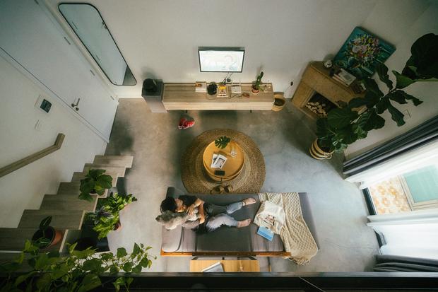 Chàng kiến trúc sư cải tạo căn hộ Pháp cổ, không gian tối giản nhưng sáng thoáng ngỡ ngàng - Ảnh 9.