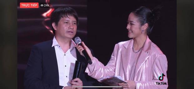 Tập thể bác sĩ tuyến đầu chống dịch tại Đà Nẵng, cha đẻ ATM gạo, SofM... trở thành Top 5 Đại sứ truyền cảm hứng WeChoice Awards 2020 - Ảnh 2.
