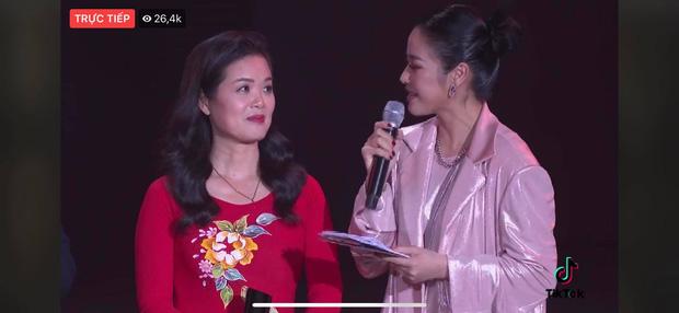 Tập thể bác sĩ tuyến đầu chống dịch tại Đà Nẵng, cha đẻ ATM gạo, SofM... trở thành Top 5 Đại sứ truyền cảm hứng WeChoice Awards 2020 - Ảnh 3.