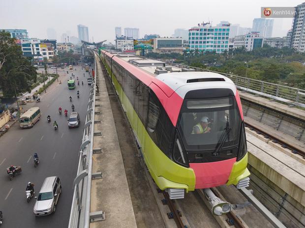Ảnh: Cận cảnh đoàn tàu đầu tiên dự án Nhổn - ga Hà Nội - Ảnh 1.