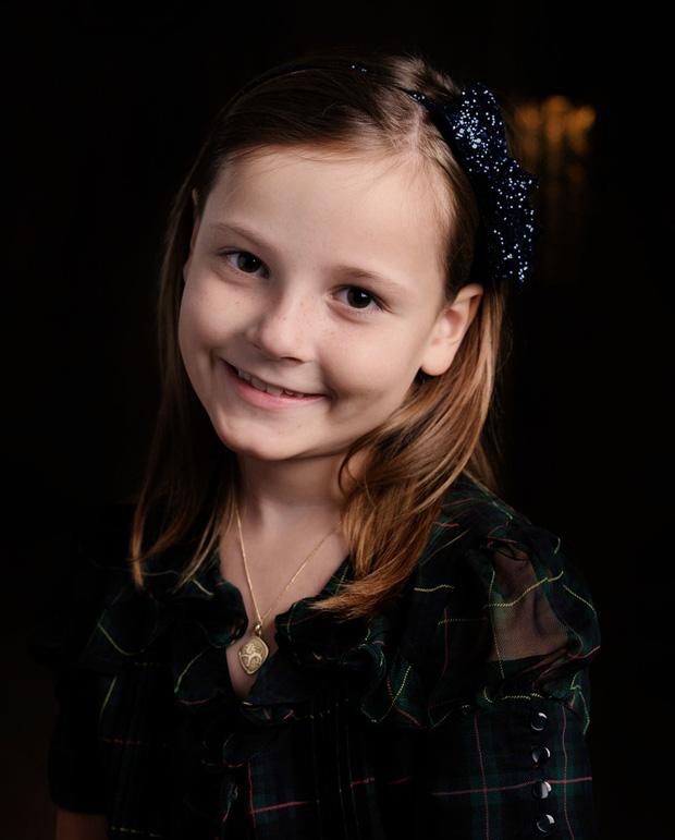 Công chúa kế vị của Na Uy vừa tròn 17 tuổi đã đốn tim với nhan sắc nổi bật, chia sẻ đến lúc lớn mới biết mình là Công chúa - Ảnh 2.