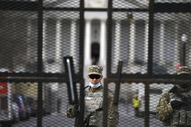 Hơn 150 lính Vệ binh Quốc gia Mỹ tham gia bảo vệ lễ nhậm chức Tổng thống nhiễm COVID-19 - Ảnh 1.