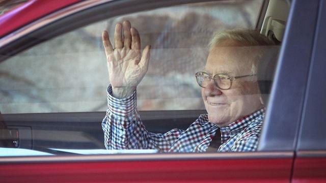11 cách tiêu tiền tiết kiệm của Warren Buffett - Ảnh 2.