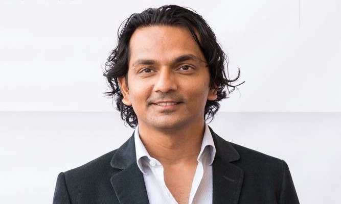 Gã nhà nghèo viết code dạo trở thành tỷ phú đô la tự thân trẻ nhất Ấn Độ - Ảnh 1.