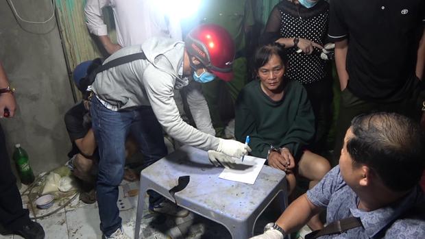 CLIP: Phá ổ ma túy khủng ở Tiền Giang do 1 phụ nữ 61 tuổi cầm đầu - Ảnh 2.