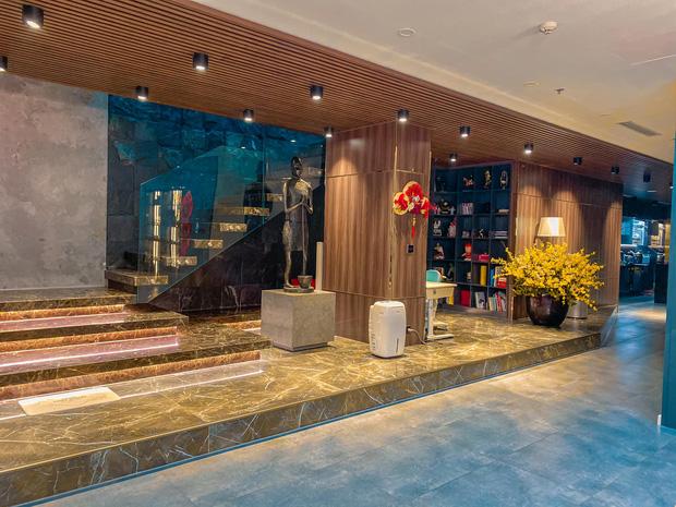 Penthouse ở Vinhomes trang trí Tết: Tổng hết 60 triệu, phòng khách xịn đến mức ngỡ sảnh khách sạn 5 sao  - Ảnh 2.