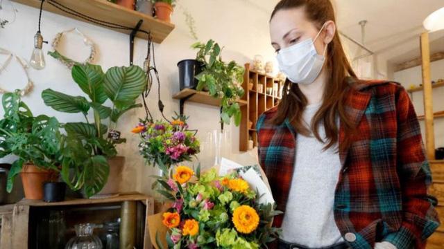 Ngành công nghiệp hoa toàn cầu tơi tả vì Covid-19  - Ảnh 2.