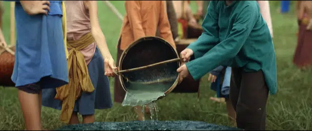 [Góc tranh cãi] Trạng Tí đổ nước vào giếng để lấy quả bưởi: Thông minh hay tối dạ? - Ảnh 5.