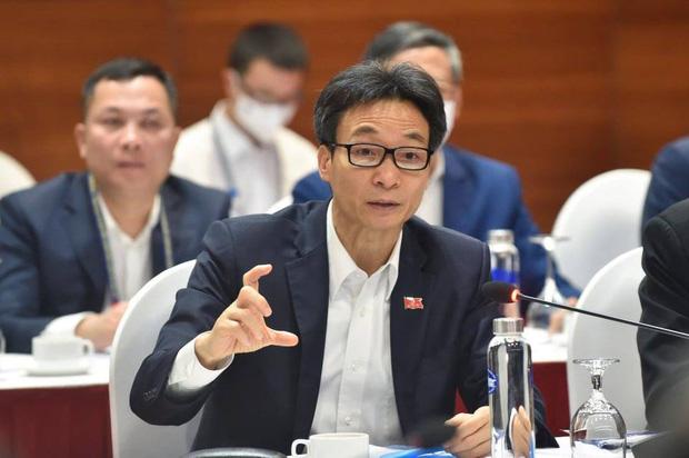 Phó Thủ tướng Vũ Đức Đam: Ổ dịch ở Hải Dương, Quảng Ninh nghiêm trọng hơn trước - Ảnh 1.