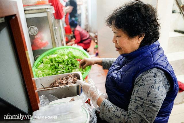 Về làng Ngũ Xã xưa tìm mẹ đẻ của món phở cuốn - mới khai sinh tròn 20 năm mà nay đã thành tinh hoa ẩm thực vang danh cả nước ngoài  - Ảnh 3.