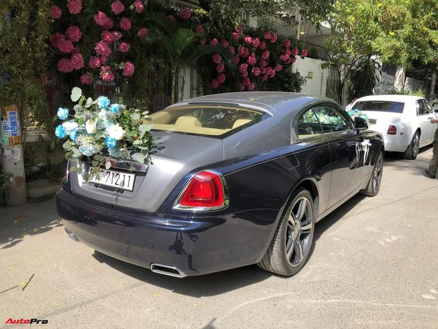 Dàn xe hơn 100 tỷ phục vụ đám cưới thiếu gia Phan Thành: Đủ loại Rolls-Royce, Maybach, Lexus đậu kín ngõ nhà cô dâu - Ảnh 2.