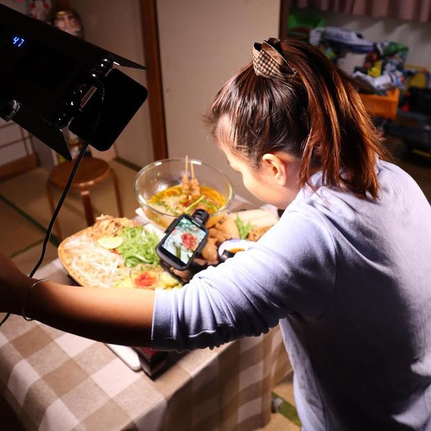 Độc quyền: Quỳnh Trần JP chia sẻ nhiều điều ứa nước mắt phía sau tin vui tích cóp đủ tiền mua được nhà từ nghề Youtuber và là nhân vật vinh dự được chính phủ Nhật mời ghi hình  - Ảnh 11.