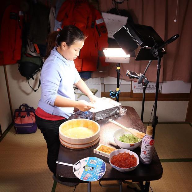 Độc quyền: Quỳnh Trần JP chia sẻ nhiều điều ứa nước mắt phía sau tin vui tích cóp đủ tiền mua được nhà từ nghề Youtuber và là nhân vật vinh dự được chính phủ Nhật mời ghi hình  - Ảnh 15.