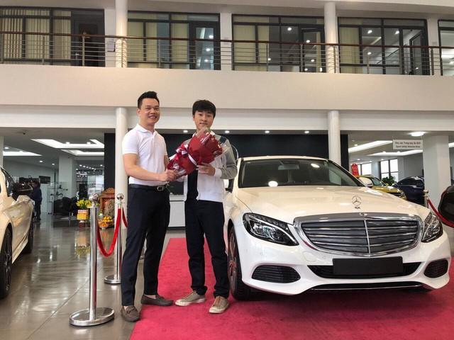 Soi dàn xế hộp tiền tỷ của dàn streamer Việt, nể nhất Độ Mixi chỉ coi Mercedes GLC như mô hình  - Ảnh 10.