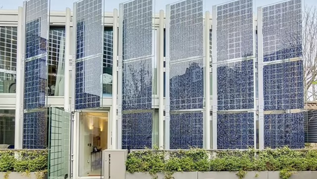 Ngôi nhà giàu có ở London trang bị vũ khí tự ứng phó khủng hoảng năng lượng - Ảnh 1.