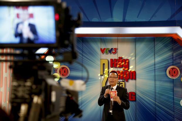 Kết năm 2020, VTV3 dừng loạt show huyền thoại, thay MC, đổi mới thiết kế: Phải chăng đang tìm lại thời hoàng kim? - Ảnh 1.