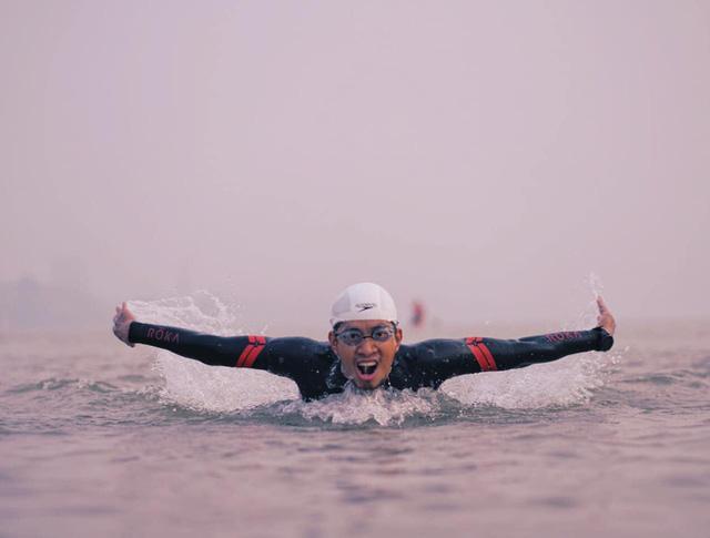 Siêu kình ngư bơi từ cầu Long Biên đến biển Thái Bình: Tôi muốn bơi xuyên Việt 2800 km  - Ảnh 2.