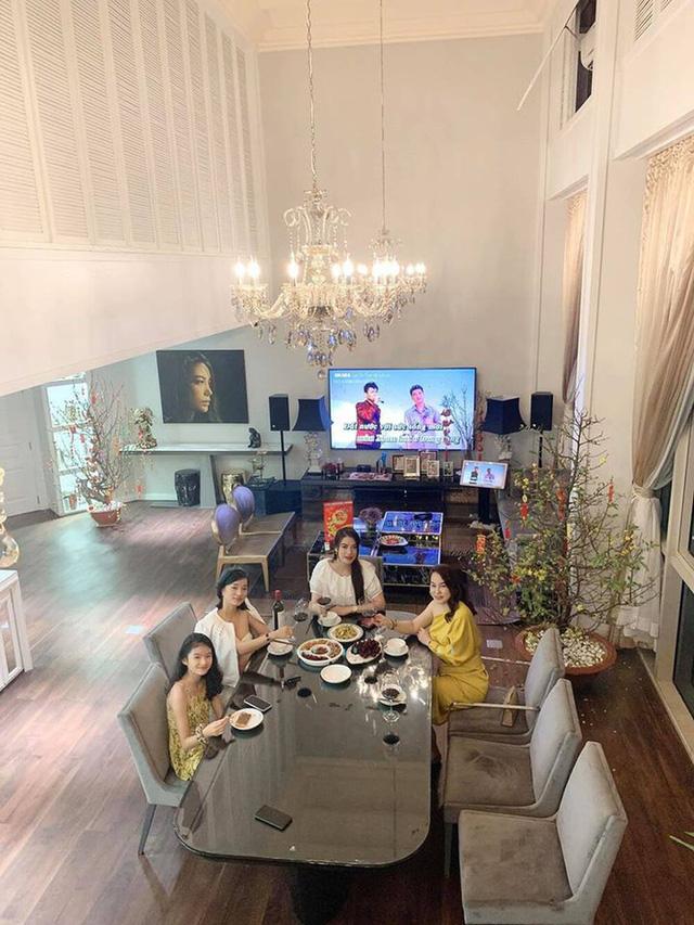 Người đàn bà đẹp mê kinh doanh Trương Ngọc Ánh: Đại gia giàu nhất nhì showbiz Việt, sự nghiệp thăng hoa nhưng vẫn luôn cần một bờ vai để được chở che - Ảnh 11.