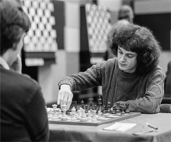 Thiên tài cờ vua nước Anh chọn sống khác, tránh xa hào nhoáng - Ảnh 1.