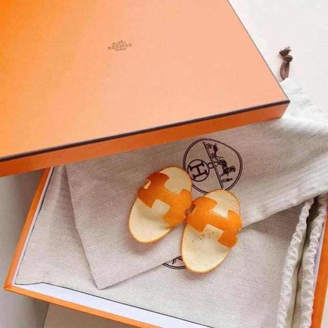 Rich kid 2021 phải đi dép Hermès vỏ cam: Giá trị 0 đồng nhưng chất ngang bản gốc - Ảnh 1.