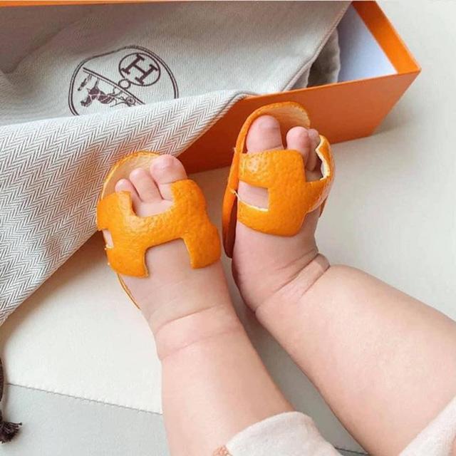 Rich kid 2021 phải đi dép Hermès vỏ cam: Giá trị 0 đồng nhưng chất ngang bản gốc - Ảnh 2.