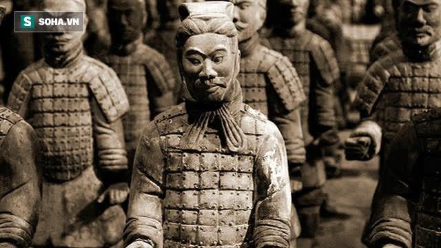 Lý do bất ngờ khiến tượng binh mã trong lăng mộ Tần Thủy Hoàng đều không đội mũ sắt - Ảnh 2.