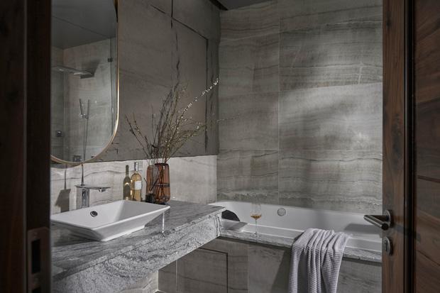 Vợ chồng trẻ có căn villa hai mặt tiền rộng 500m2 , phòng tắm chill như resort 5 sao - Ảnh 13.