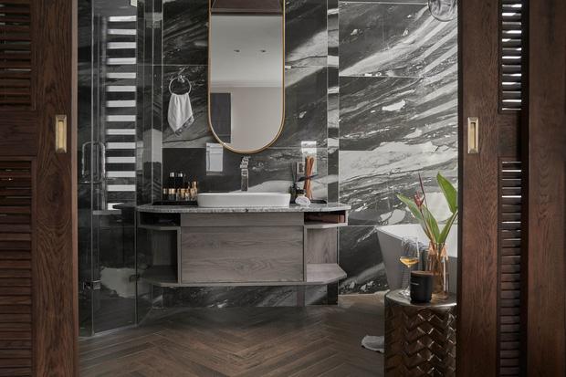 Vợ chồng trẻ có căn villa hai mặt tiền rộng 500m2 , phòng tắm chill như resort 5 sao - Ảnh 10.