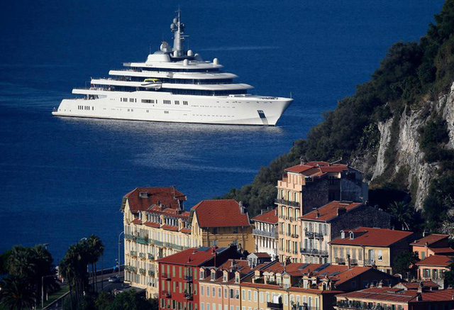 Sốc toàn tập với du thuyền 13,6 nghìn tỷ của ông chủ giàu có bậc nhất làng bóng đá  - Ảnh 2.