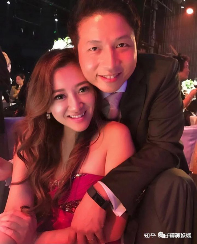 Cuộc sống hào nhoáng của tam đại tiểu thư đứng đầu hội phú bà quyền lực Hong Kong: Kinh doanh giỏi lại biết chơi tới bến, đến giới thượng lưu cũng nể vài phần - Ảnh 8.