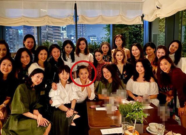 Cuộc sống hào nhoáng của tam đại tiểu thư đứng đầu hội phú bà quyền lực Hong Kong: Kinh doanh giỏi lại biết chơi tới bến, đến giới thượng lưu cũng nể vài phần - Ảnh 10.