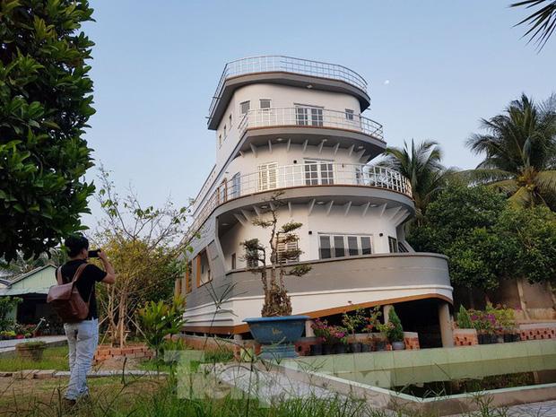 Chiêm ngưỡng căn nhà du thuyền 5 tỷ độc nhất miền Tây - Ảnh 1.
