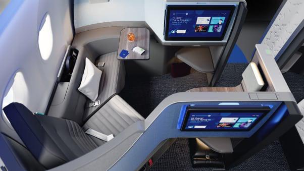 Ghế máy bay biến thành giường ngủ siêu to khổng lồ trên bầu trời - Ảnh 2.