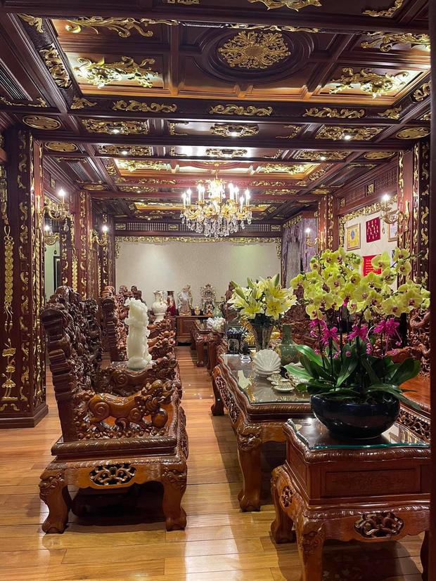 Biệt thự 7 tầng của đại gia ngành sắt Việt giàu lên từ thu mua sắt vụn: Độ hoành tráng sánh ngang lâu đài, tổng giá trị cỡ 300 tỷ - Ảnh 6.