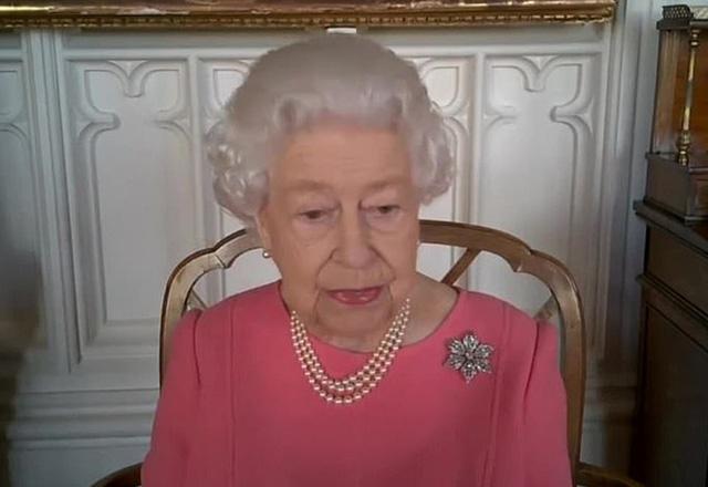 Trước cuộc phỏng vấn bom tấn của nhà Sussex, Nữ hoàng Anh đưa ra một lời khuyên cho vợ chồng cháu trai nhưng khiến ai cũng nể phục - Ảnh 2.