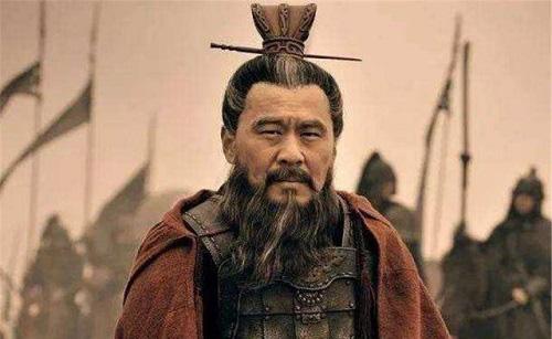 20 tuổi sống như Tào Tháo, 40 tuổi học hỏi Tư Mã Ý và 60 tuổi theo gương Lưu Bị - Ảnh 2.