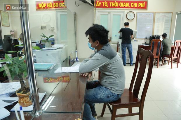 Hành trình gian nan để được cấp giấy khai sinh của người vô hình 30 năm sống ở Hà Nội: Tôi như một người ngoài lề xã hội - Ảnh 2.