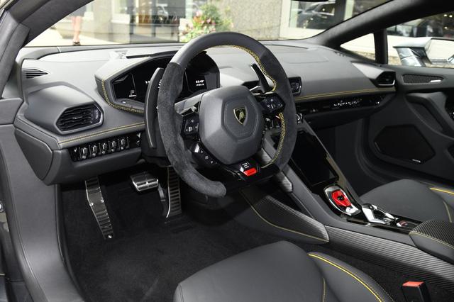 Lộ diện Lamborghini Huracan EVO hàng độc về Việt Nam: Siêu nhẹ, siêu mạnh cùng màu sơn hiếm có - Ảnh 7.