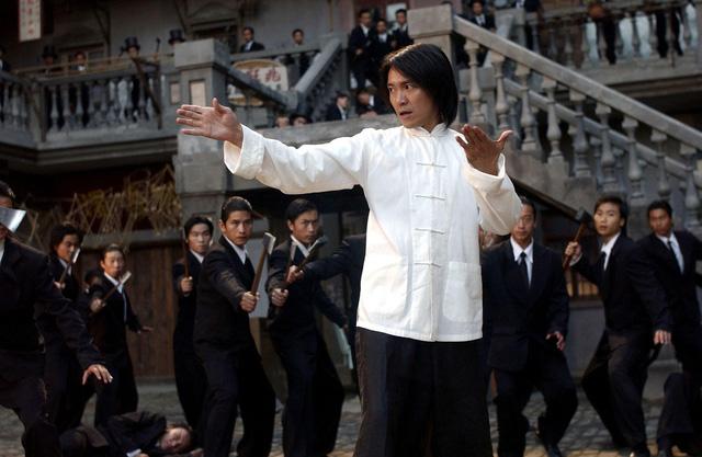 """Ông vua hài kịch Châu Tinh Trì: Giàu nứt đố đổ vách nhưng """"siêu tằn tiện"""", gần 60 tuổi vẫn lẻ bóng, sống giản dị tránh thị phi - Ảnh 2."""