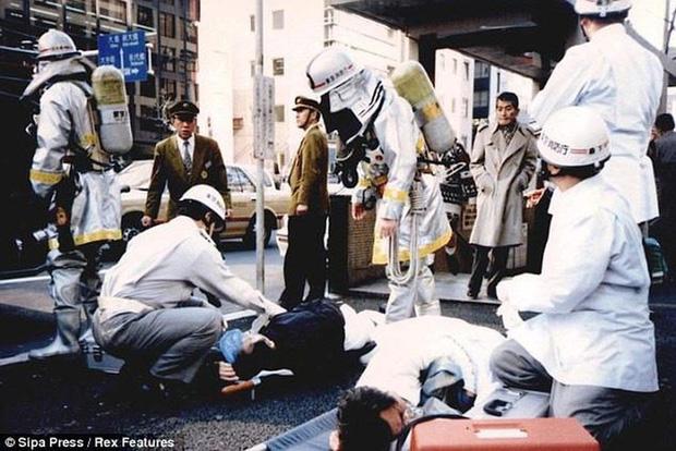 Vụ tấn công bằng khí độc sarin chấn động lịch sử nước Nhật: Ký ức đau thương kéo dài hơn 25 năm, 6000 người vẫn chịu di chứng - Ảnh 5.