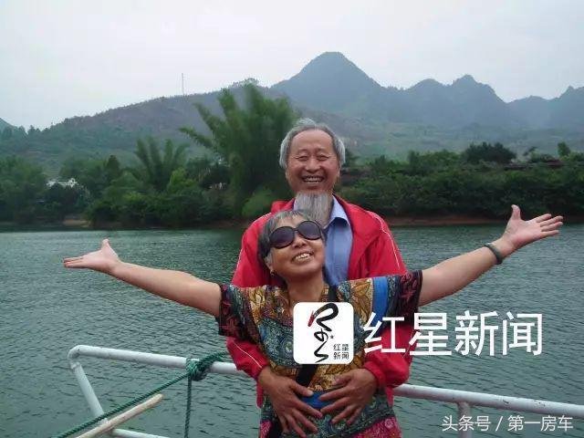 Cụ bà 82 tuổi, một lần nữa cất cánh lên bầu trời xanh: không giới hạn bản thân, bạn sẽ tìm thấy cho mình một bản ngã khác rực rỡ hơn - Ảnh 6.