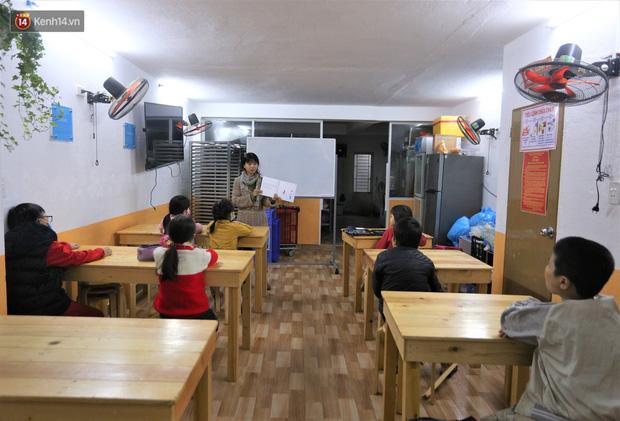 5 bạn trẻ Đà Nẵng mở lớp tiếng Anh với học phí sốc: Chỉ 1.000 đồng/buổi, giờ giải lao còn được ăn bánh uống sữa miễn phí - Ảnh 2.