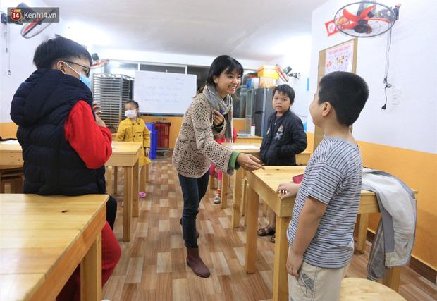 5 bạn trẻ Đà Nẵng mở lớp tiếng Anh với học phí sốc: Chỉ 1.000 đồng/buổi, giờ giải lao còn được ăn bánh uống sữa miễn phí - Ảnh 3.