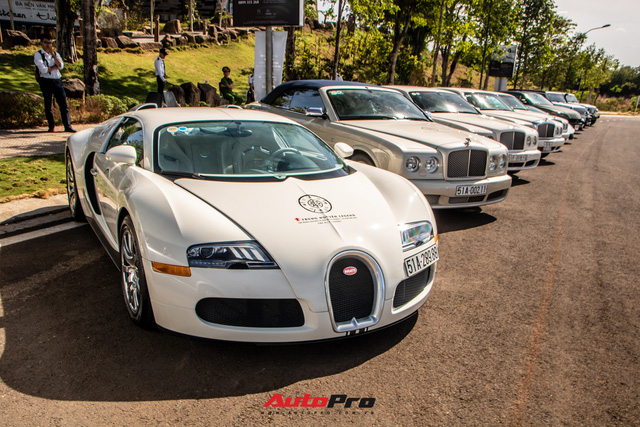 Ông Đặng Lê Nguyên Vũ mang Bugatti Veyron cùng dàn xe hơn trăm tỷ xuất hiện tại TP. Buôn Mê Thuột  - Ảnh 3.