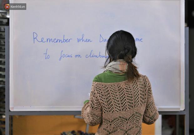 5 bạn trẻ Đà Nẵng mở lớp tiếng Anh với học phí sốc: Chỉ 1.000 đồng/buổi, giờ giải lao còn được ăn bánh uống sữa miễn phí - Ảnh 4.