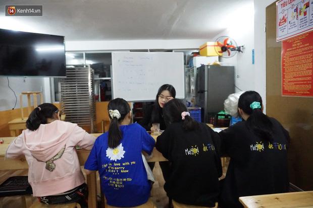 5 bạn trẻ Đà Nẵng mở lớp tiếng Anh với học phí sốc: Chỉ 1.000 đồng/buổi, giờ giải lao còn được ăn bánh uống sữa miễn phí - Ảnh 8.