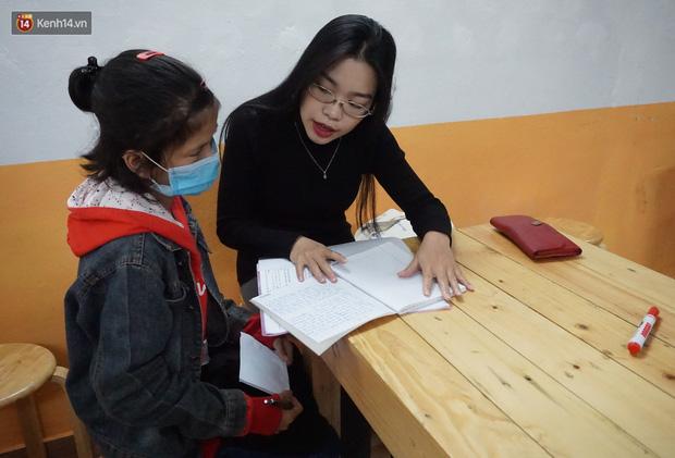 5 bạn trẻ Đà Nẵng mở lớp tiếng Anh với học phí sốc: Chỉ 1.000 đồng/buổi, giờ giải lao còn được ăn bánh uống sữa miễn phí - Ảnh 9.