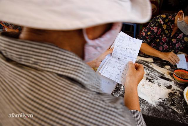 Hàng bánh tiêu CHẢNH nhất Việt Nam - mua được hay không là do nhân phẩm, dù chưa kịp mở cửa đã chính thức hết bánh khiến cả Vũng Tàu tới Sài Gòn phải xôn xao!  - Ảnh 13.