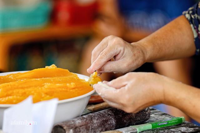 Hàng bánh tiêu CHẢNH nhất Việt Nam - mua được hay không là do nhân phẩm, dù chưa kịp mở cửa đã chính thức hết bánh khiến cả Vũng Tàu tới Sài Gòn phải xôn xao!  - Ảnh 17.