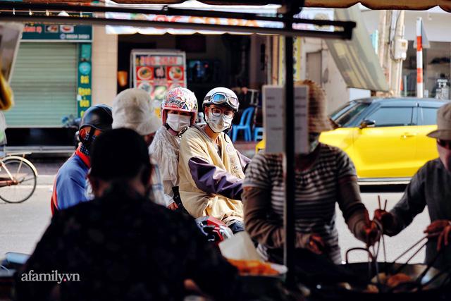 Hàng bánh tiêu CHẢNH nhất Việt Nam - mua được hay không là do nhân phẩm, dù chưa kịp mở cửa đã chính thức hết bánh khiến cả Vũng Tàu tới Sài Gòn phải xôn xao!  - Ảnh 27.